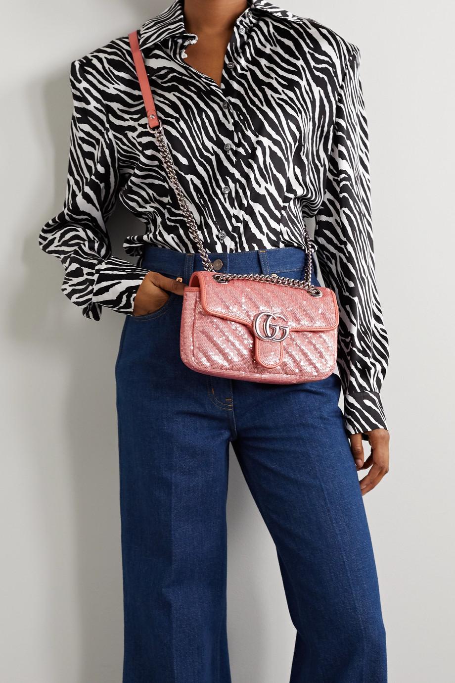 Gucci GG Marmont mini Schultertasche aus Seide mit Pailletten und Lederbesätzen