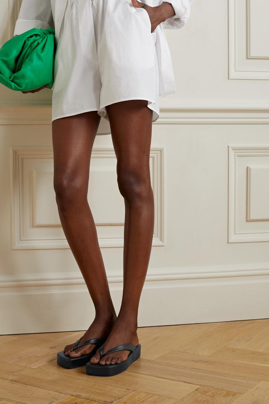 Amina Muaddi Tongs plates-formes en cuir Johana