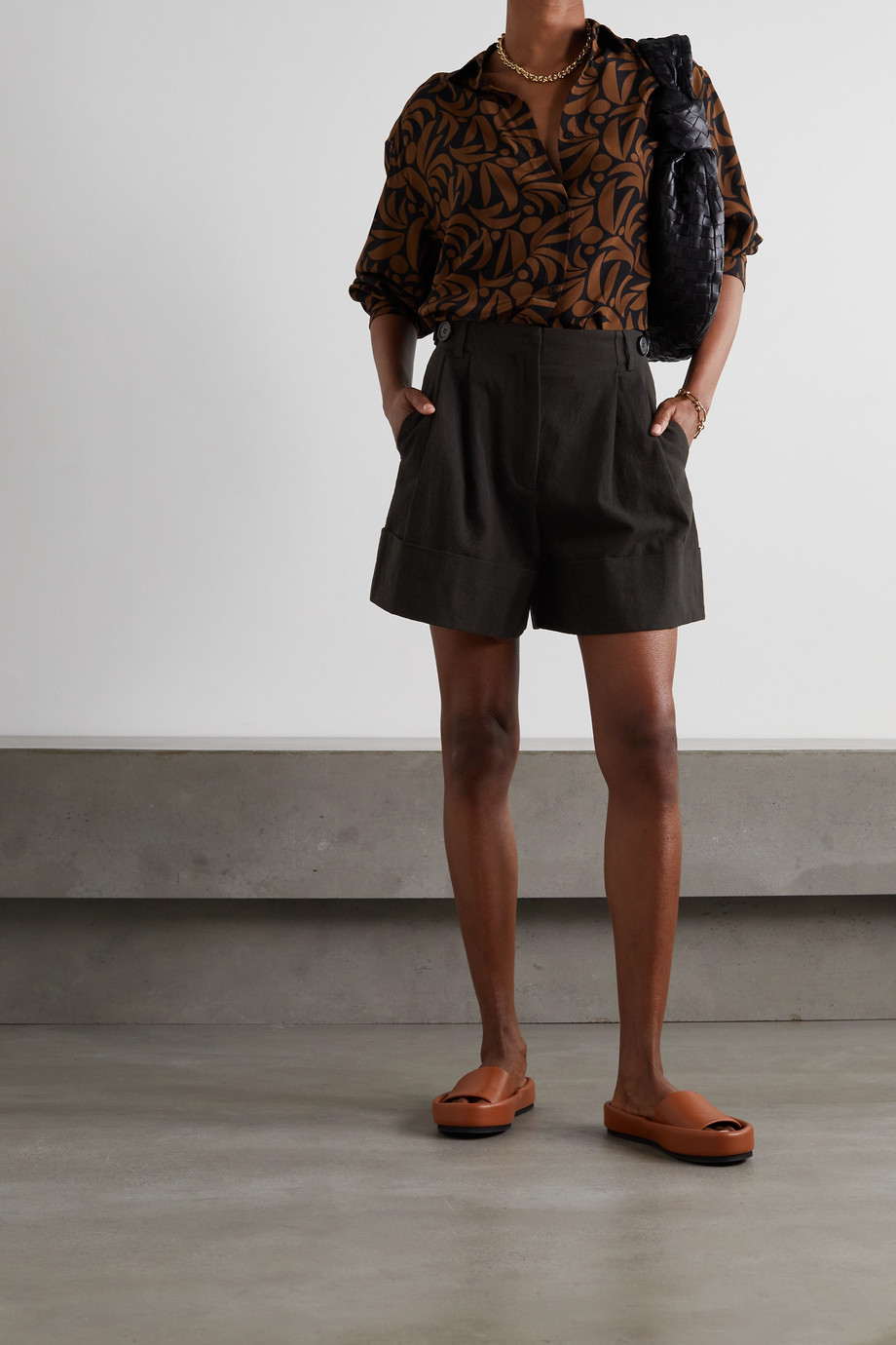 By Malene Birger Damapana pleated linen and cotton-blend shorts