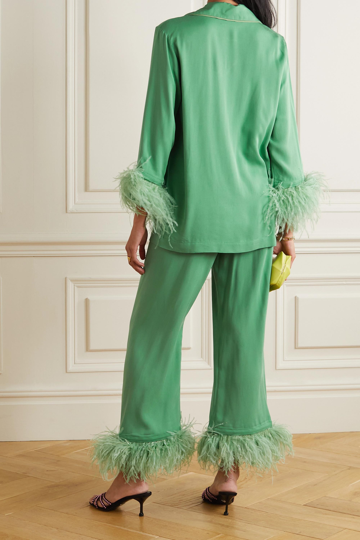 Sleeper Pyjama aus Crêpe de Chine mit Federn