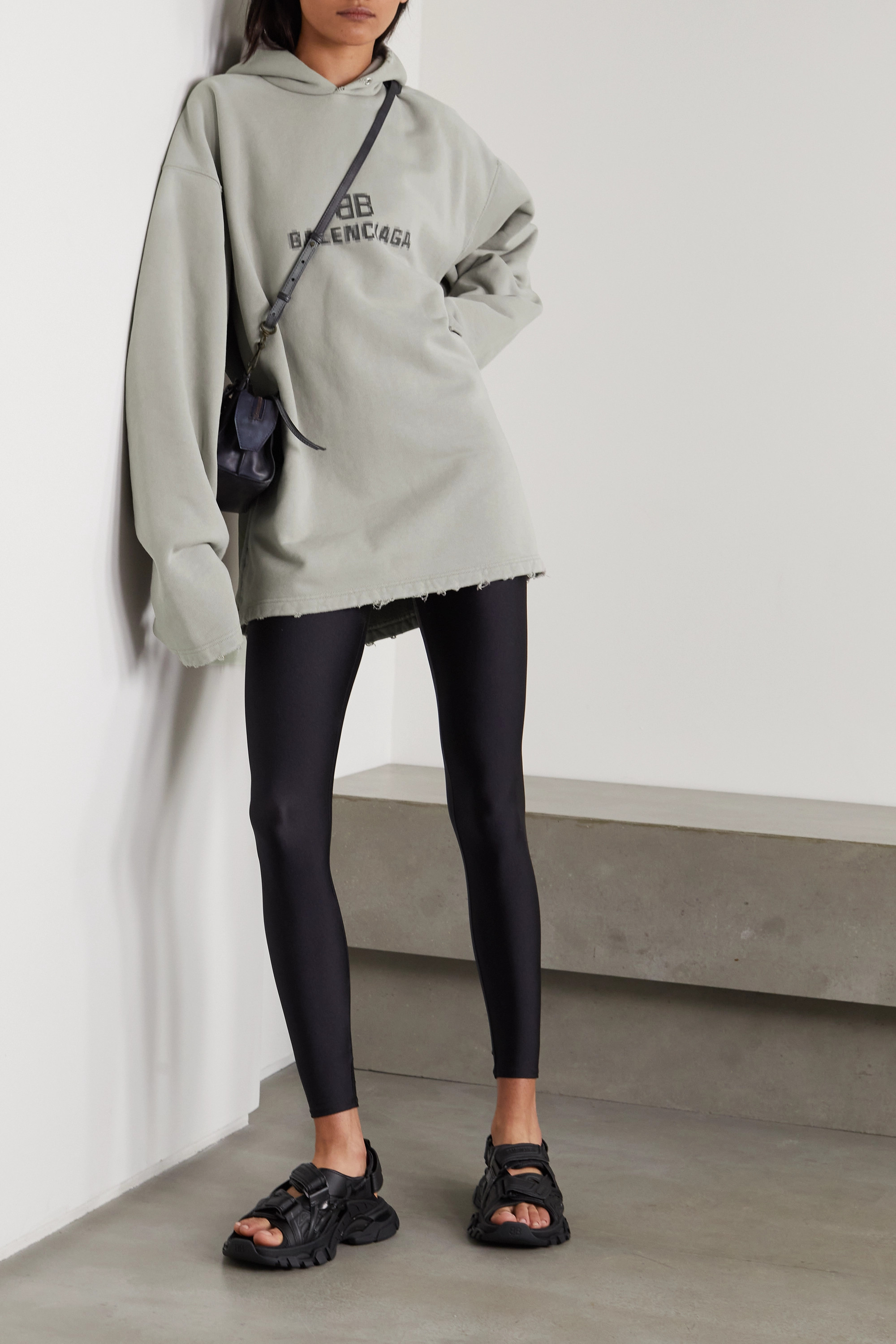 Balenciaga Sweat à capuche en jersey de coton imprimé effet vieilli