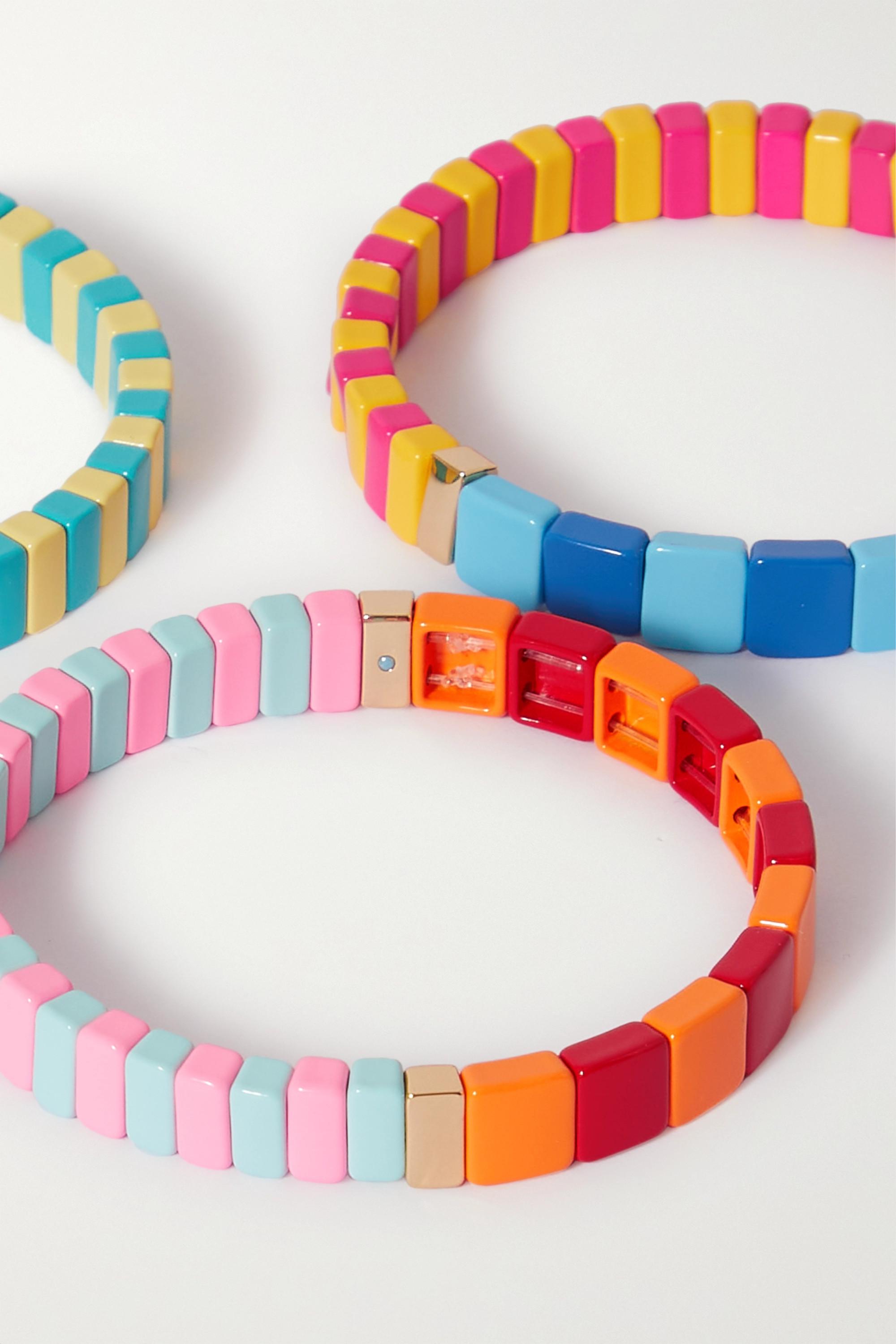 Roxanne Assoulin Happy Set aus drei Armbändern mit Emaille und goldfarbenen Details