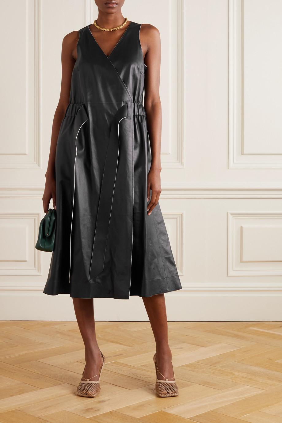 Salvatore Ferragamo Midi-Wickelkleid aus Leder mit Raffungen