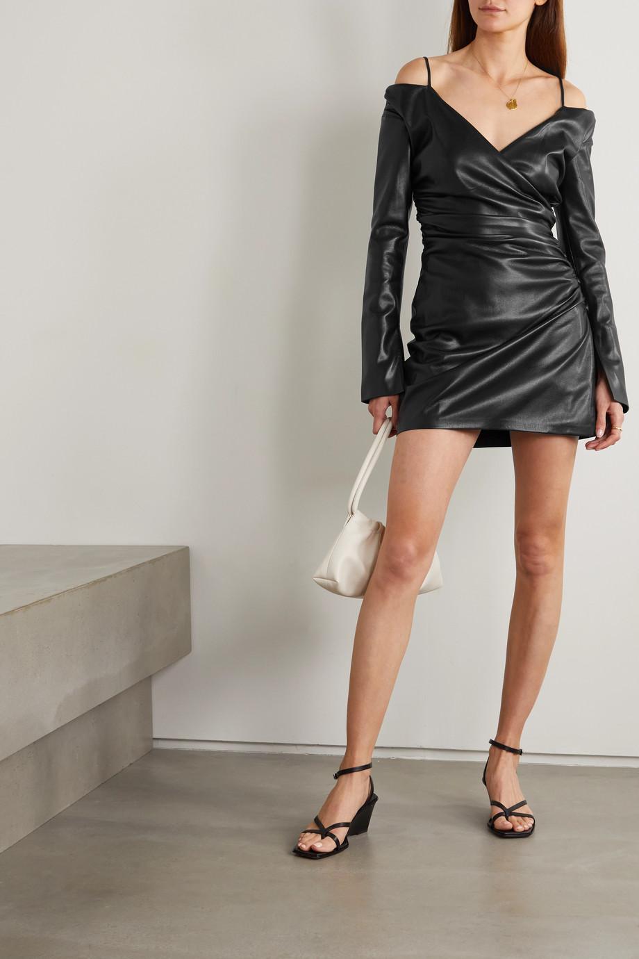 Nanushka Mini-robe portefeuille épaules nues en cuir vegan Moha