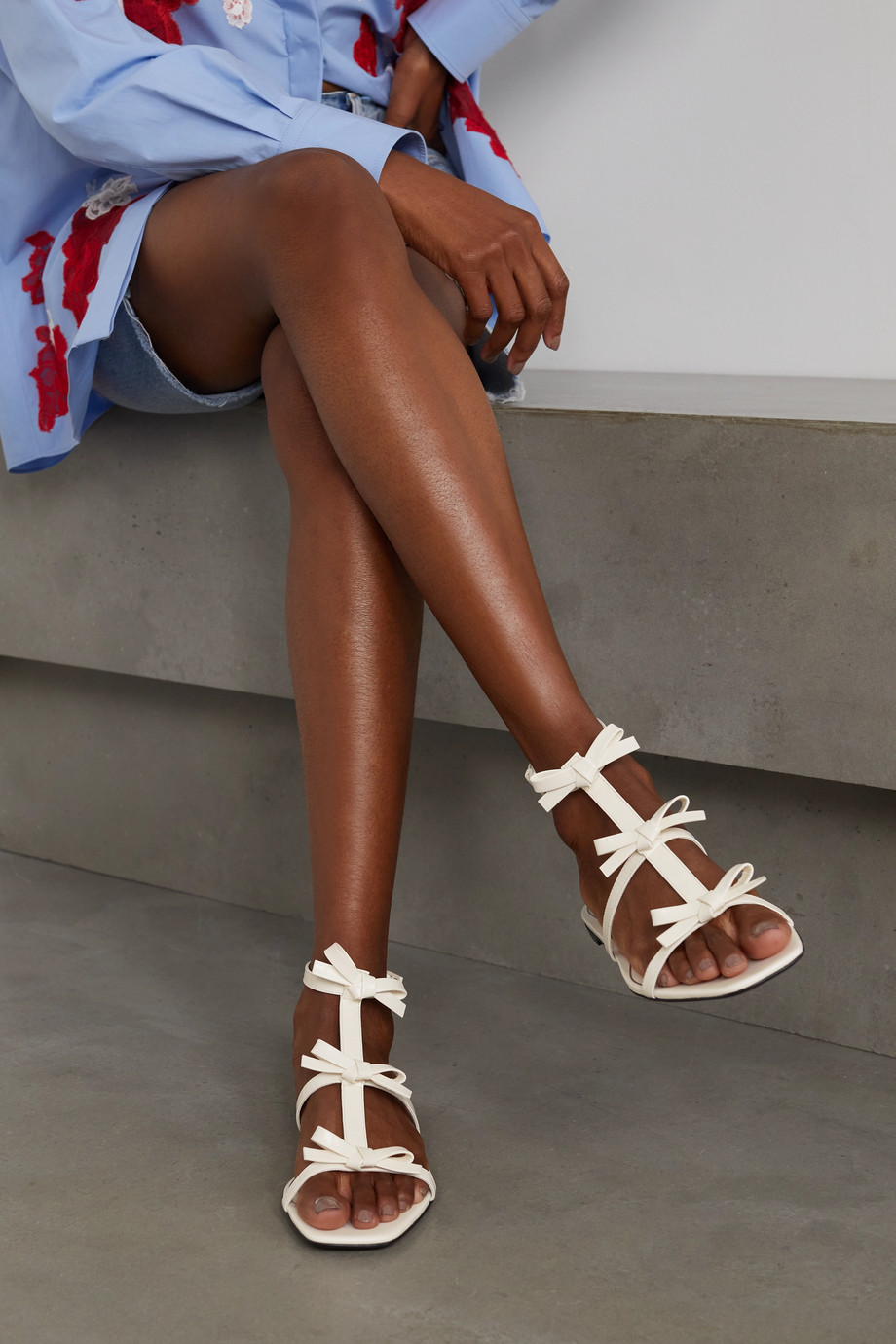 Valentino Valentino Garavani bow-detailed leather sandals