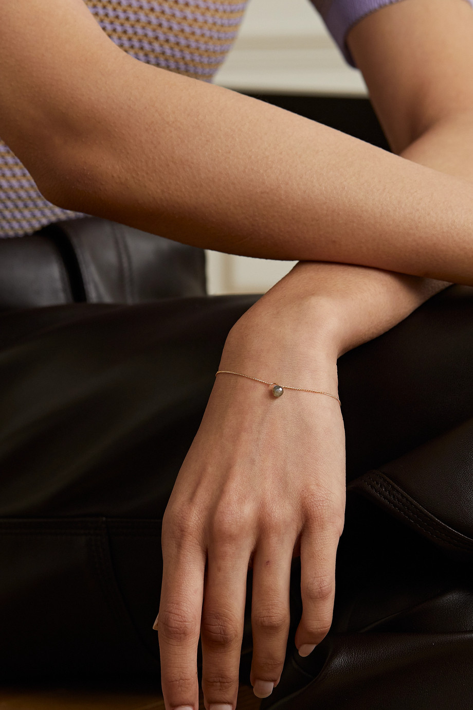 Melissa Joy Manning Armband aus recyceltem 14 Karat Gold mit Labradorit