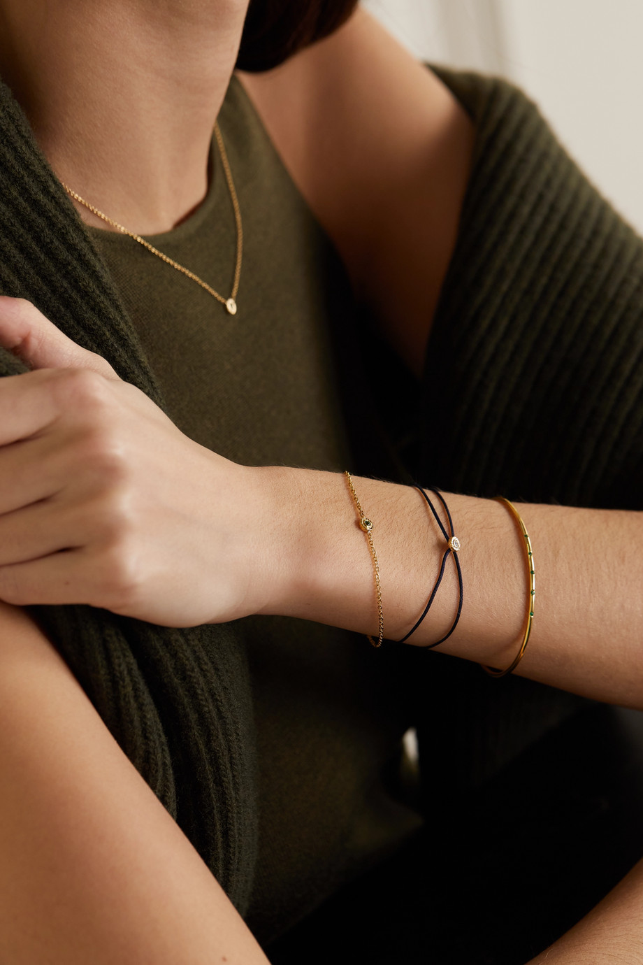 Octavia Elizabeth + NET SUSTAIN Nesting Gem Armband aus recyceltem 18 Karat Gold mit Smaragd