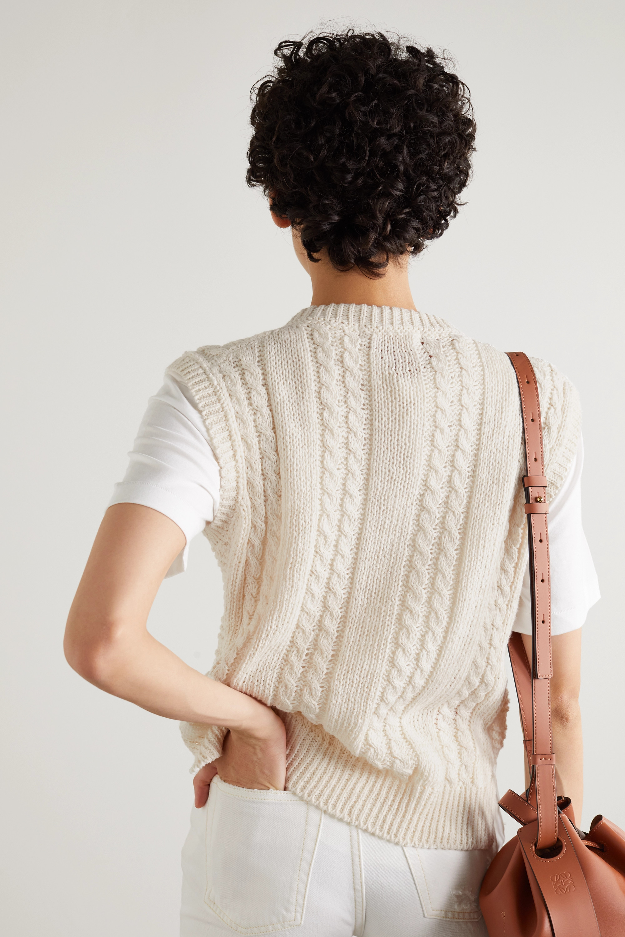 &Daughter + NET SUSTAIN ärmelloser Pullover aus einer Leinen-Baumwollmischung in Zopfstrick