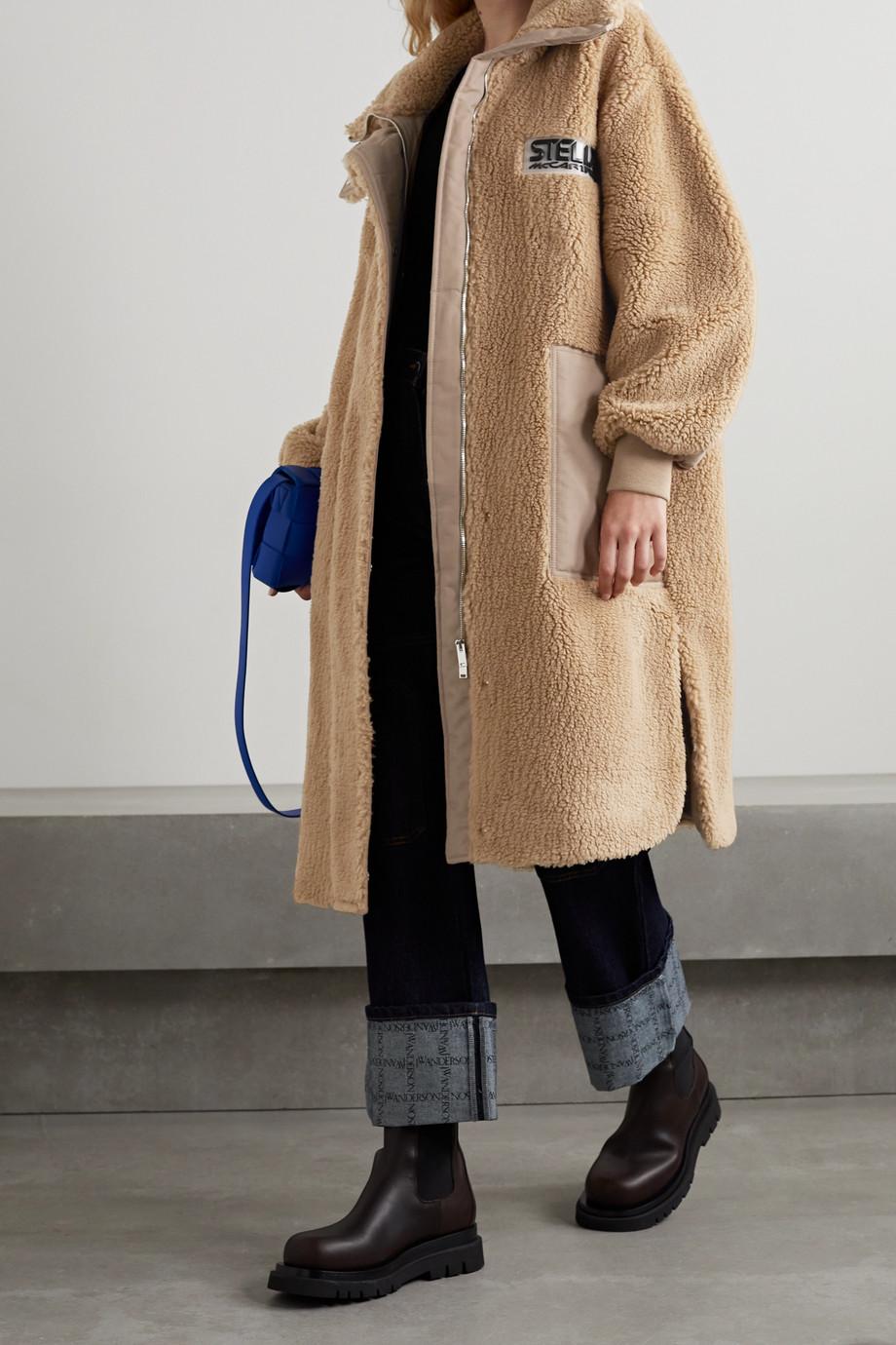 Stella McCartney Manteau en peau lainée synthétique à finitions en tissu technique Luna