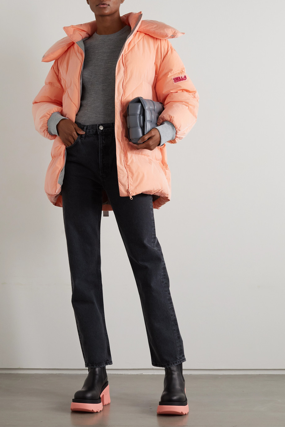 Stella McCartney Kayla Jacke aus gestepptem Shell mit Kapuze und Gürtel