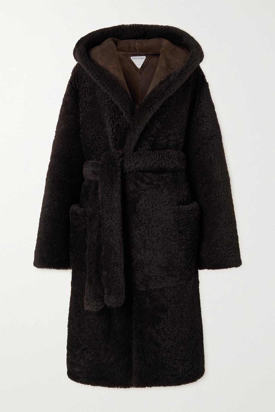 Bottega Veneta Manteau à capuche en peau lainée à ceinture