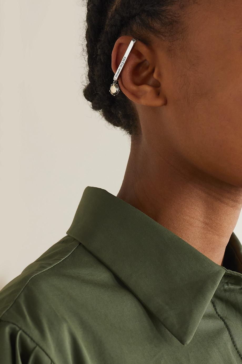 Alexander McQueen Silberfarbenes Ear Cuff mit Kristallen
