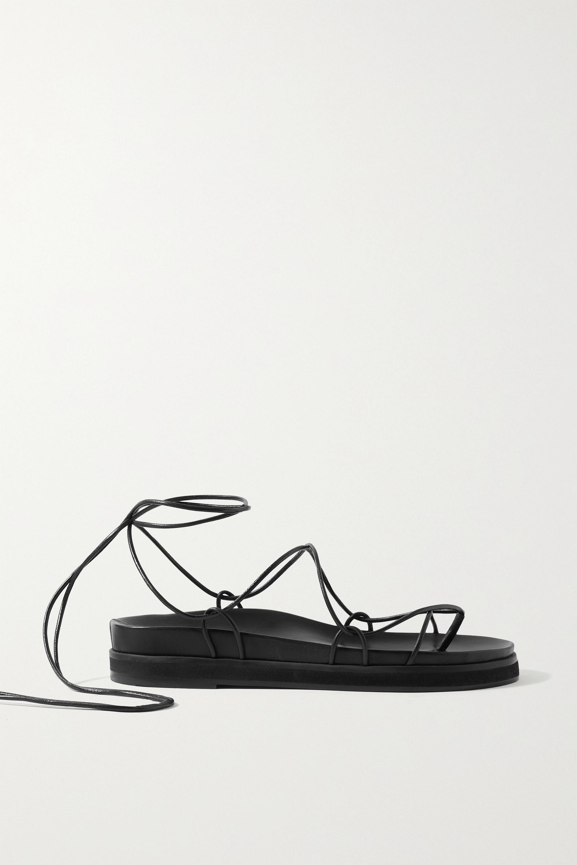Porte & Paire Sandales en cuir