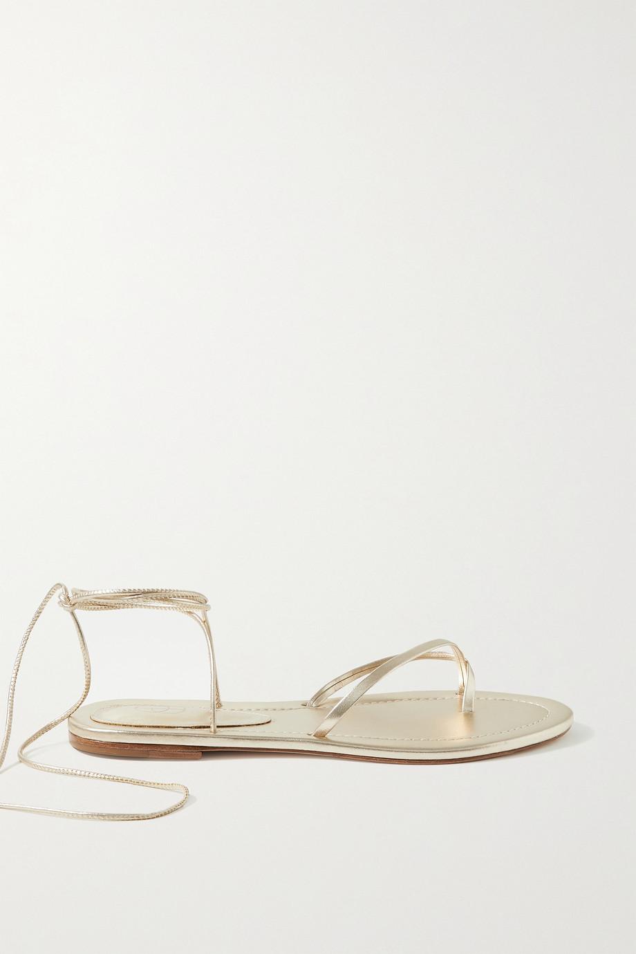Porte & Paire Sandales en cuir métallisé