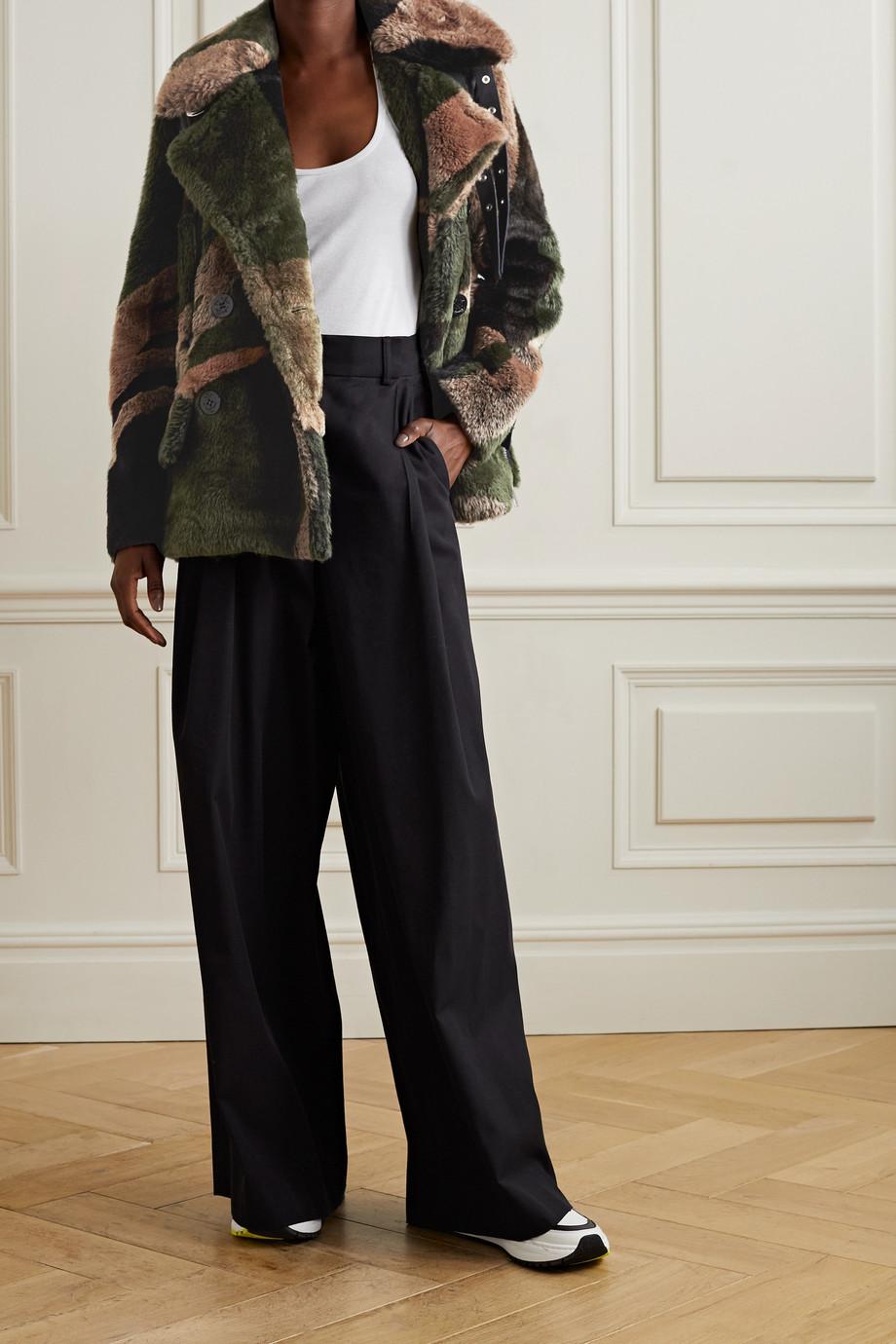 Sacai Manteau à double boutonnage en fourrure synthétique imprimée à finitions en cuir x KAWS