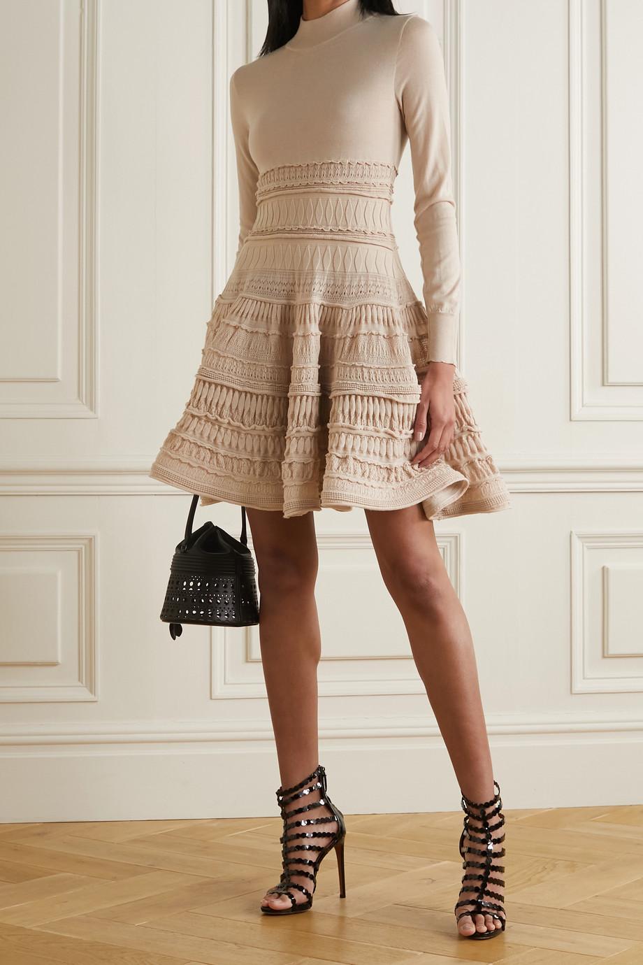 Alaïa Mini-robe en laine mélangée crochetée à volants Editions