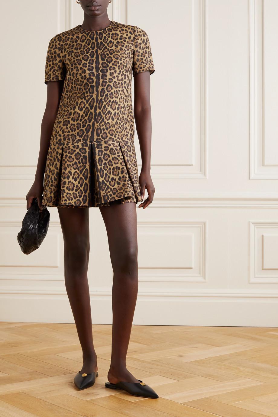 Valentino Minikleid aus einer Woll-Seidenmischung mit Leopardenprint und Falten