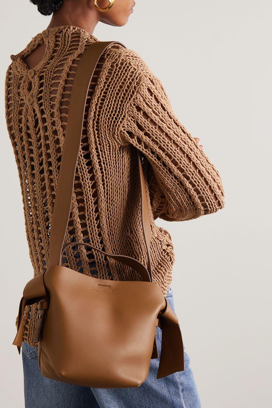 Acne Studios Musubi Mini Schultertasche aus Leder mit Knoten
