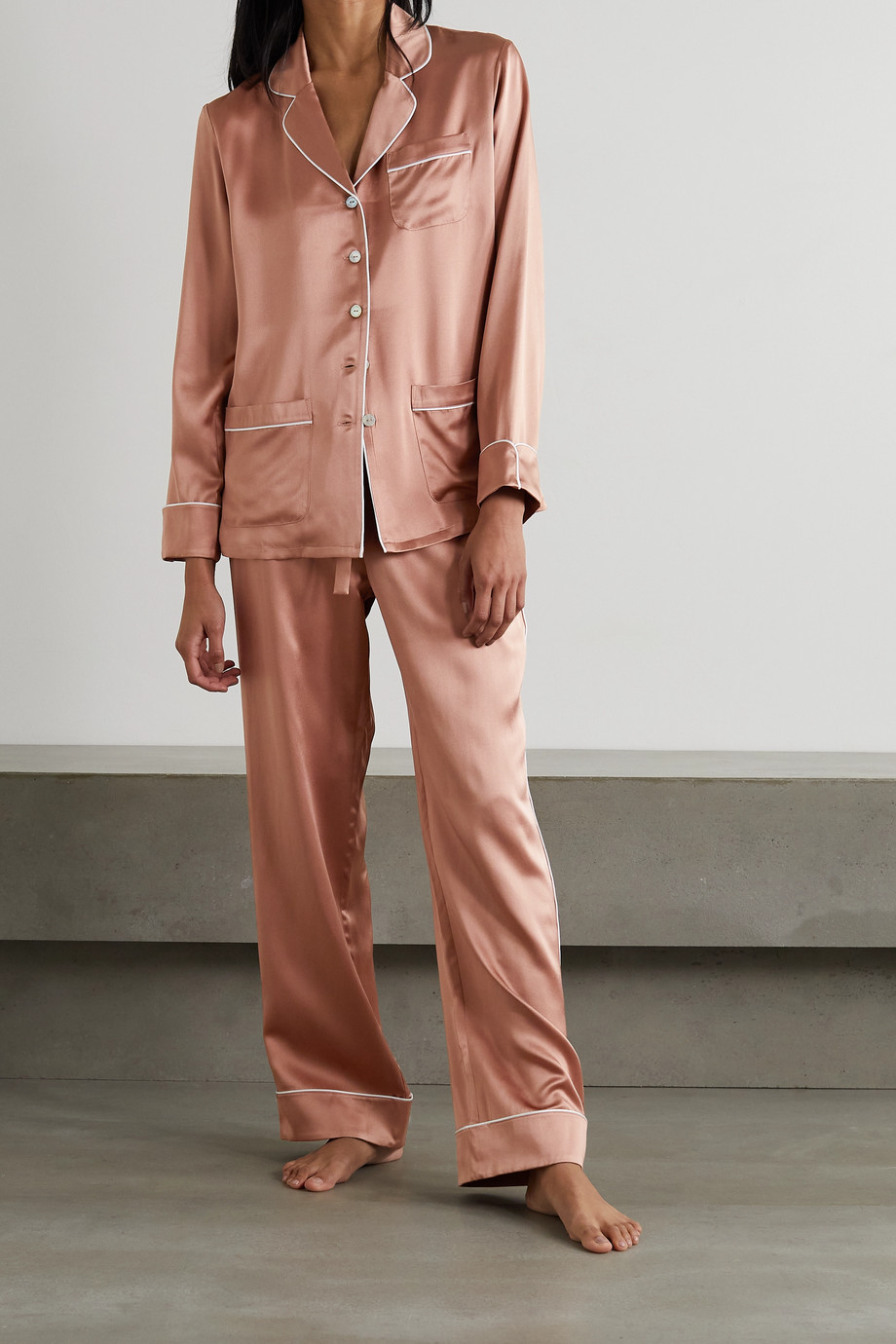 Olivia von Halle Coco Pyjama aus Seidensatin mit Paspeln
