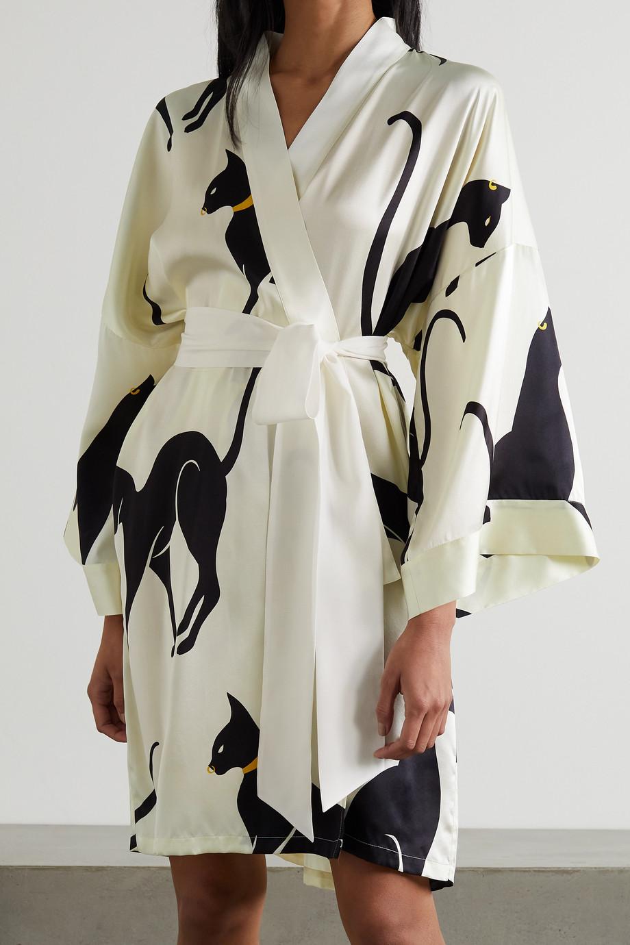 Olivia von Halle Mimi Morgenmantel aus bedrucktem Seidensatin mit Bindegürtel