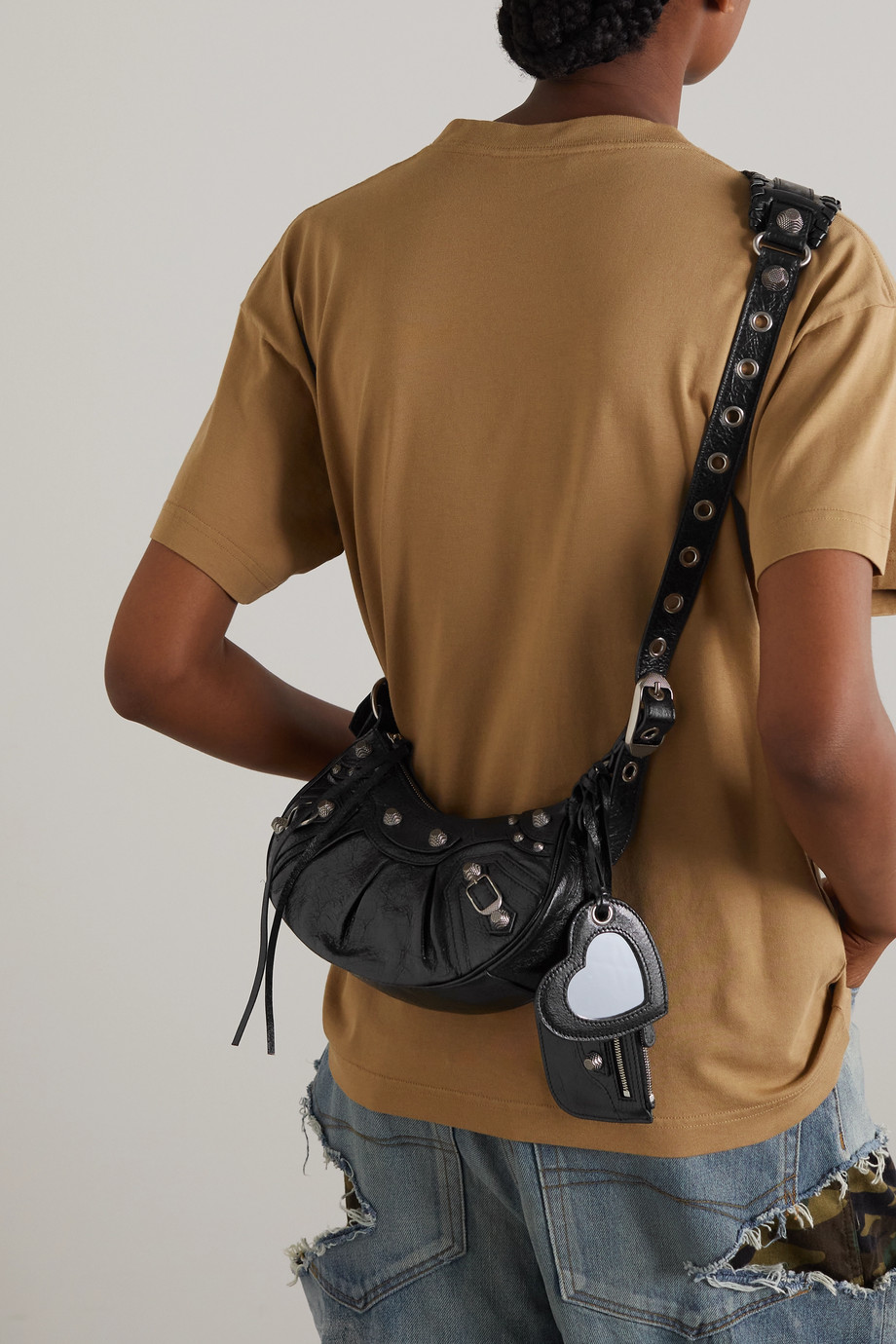 Balenciaga Cagole XS Schultertasche aus strukturiertem Leder mit Nieten