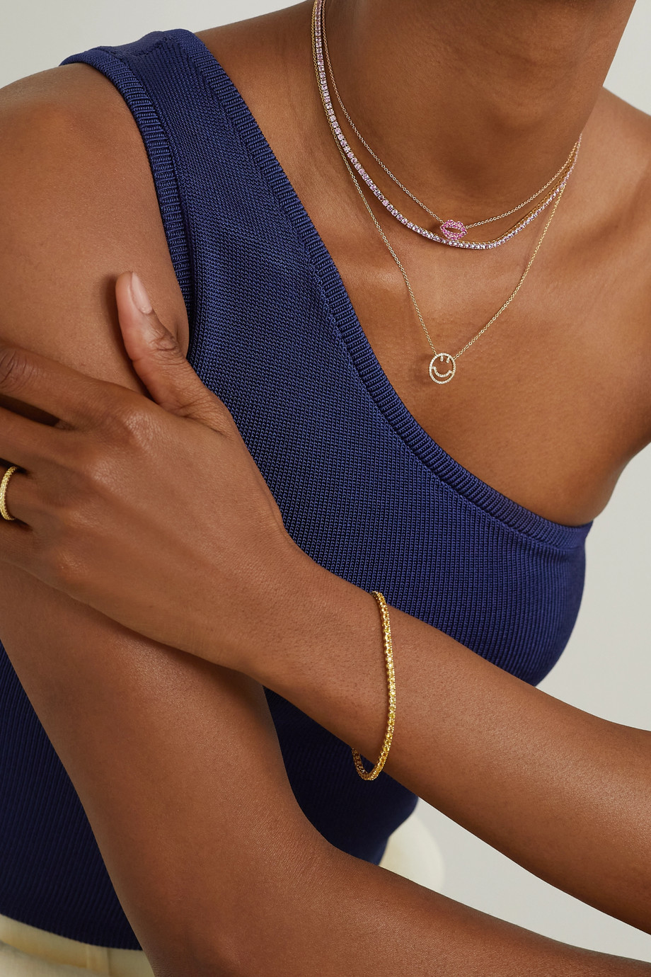 Roxanne First Kette mit Saphiren und Details aus 14 Karat Gold