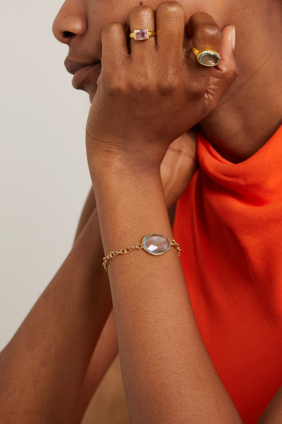 Pippa Small Armband aus 18 Karat Gold mit Aquamarin