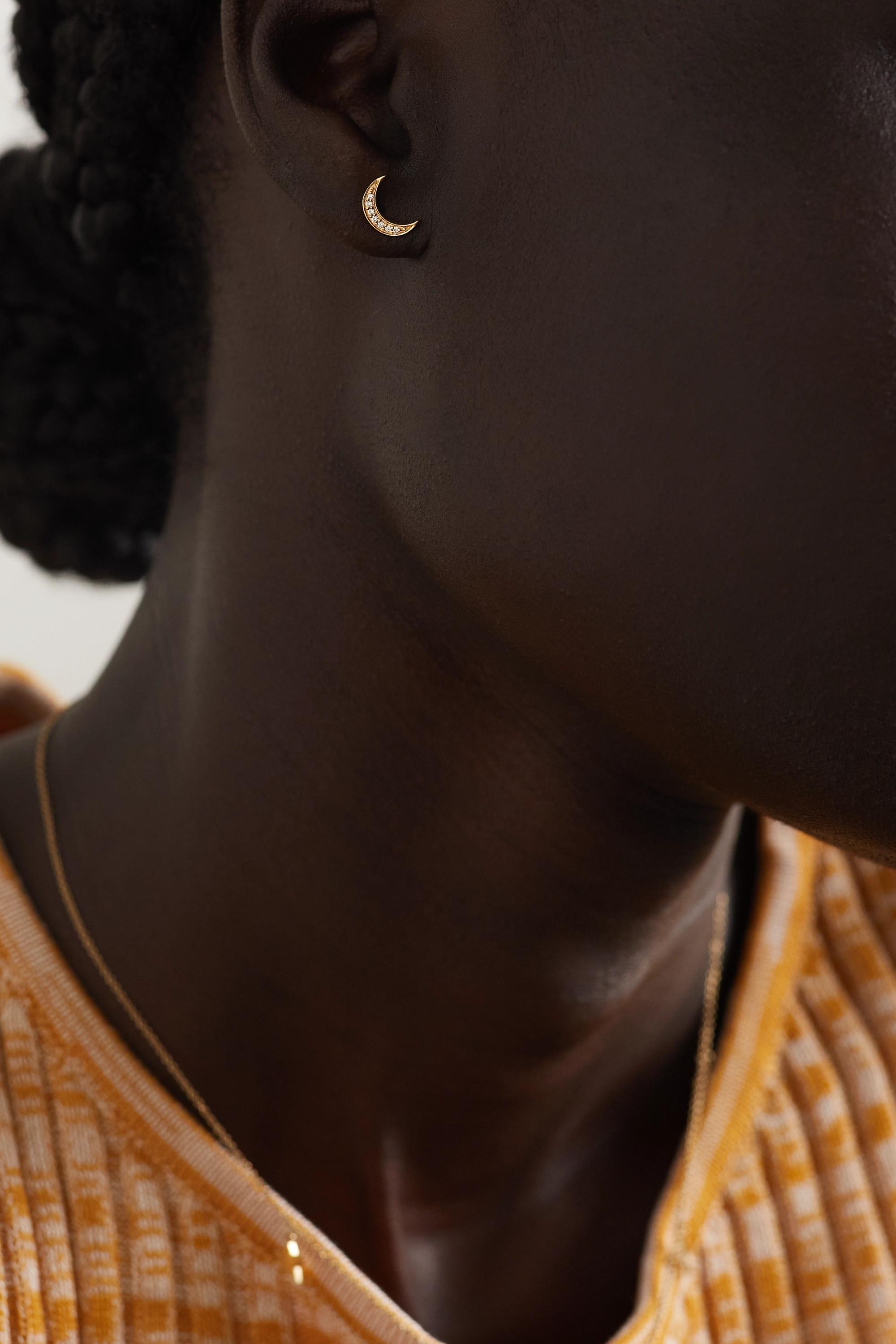 Andrea Fohrman Boucle d'oreille unique en or 14 carats (585/1000) et diamants Mini Crescent