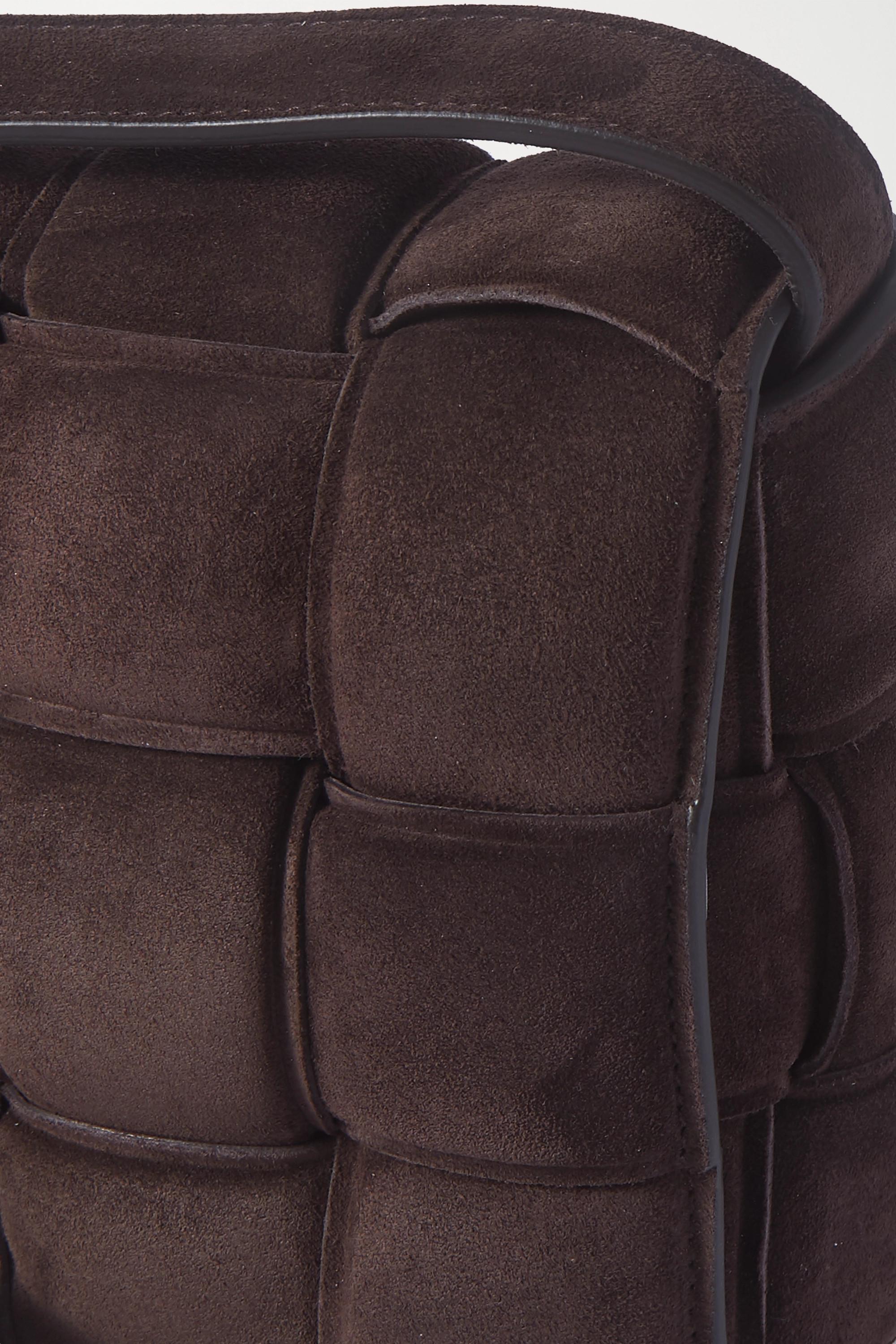 Bottega Veneta Sac porté épaule en daim intrecciato matelassé Cassette