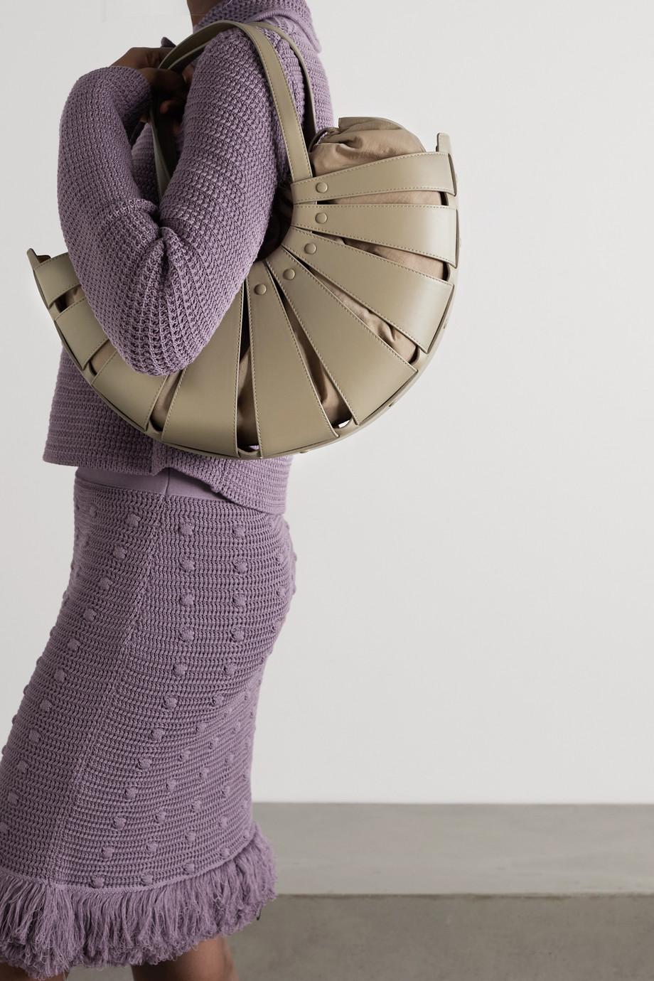 Bottega Veneta The Shell mittelgroße Schultertasche aus Leder