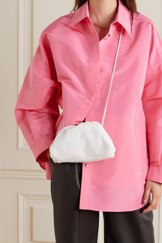 Bottega Veneta The Pouch kleine Clutch aus Bouclé mit Lederbesatz und Raffungen