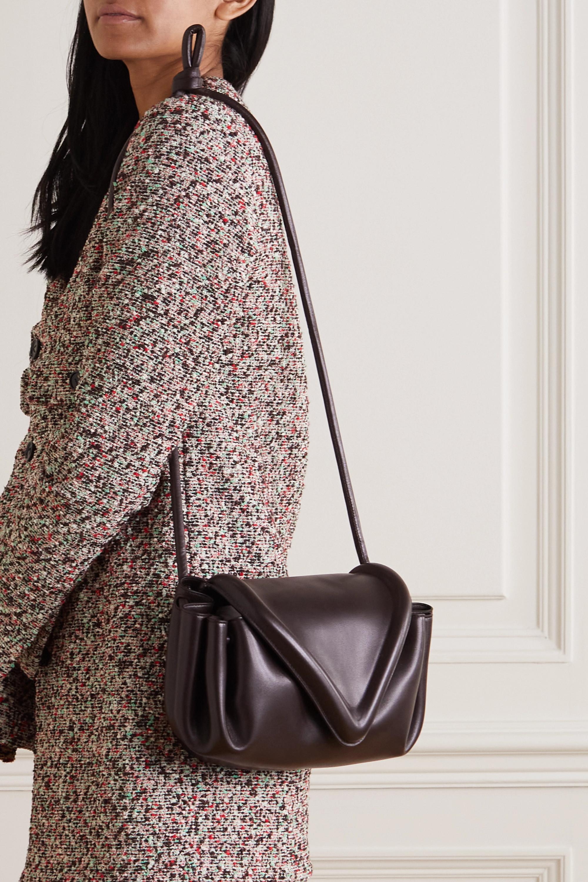 Bottega Veneta Beak mittelgroße Schultertasche aus Leder