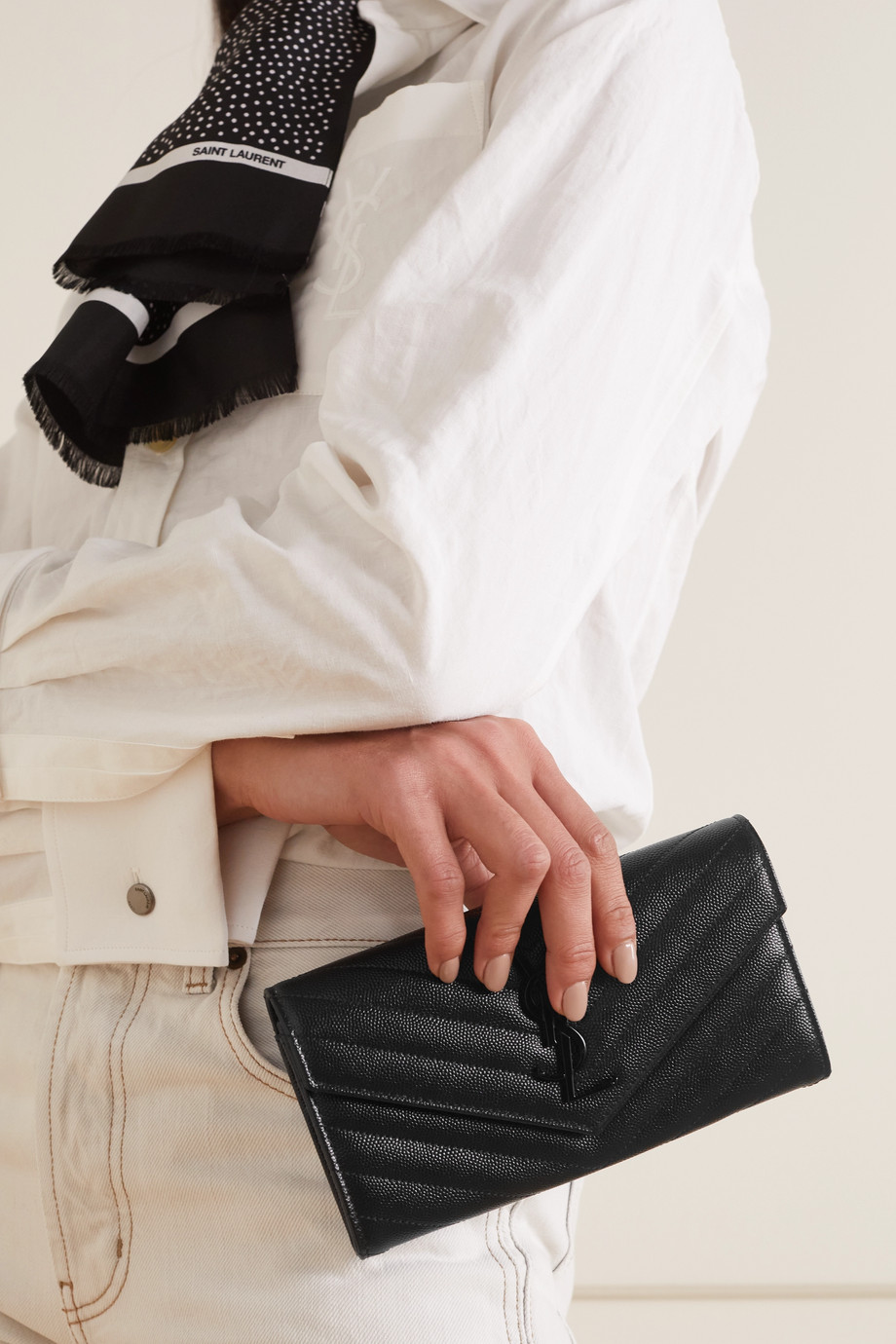 SAINT LAURENT Monogramme Portemonnaie aus gestepptem strukturiertem Leder