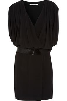 مواضيع ذات صلةفساتين قصيرةبالدانتيل الأسودإطلالة أنثوية جذابة بفساتين الصيف
