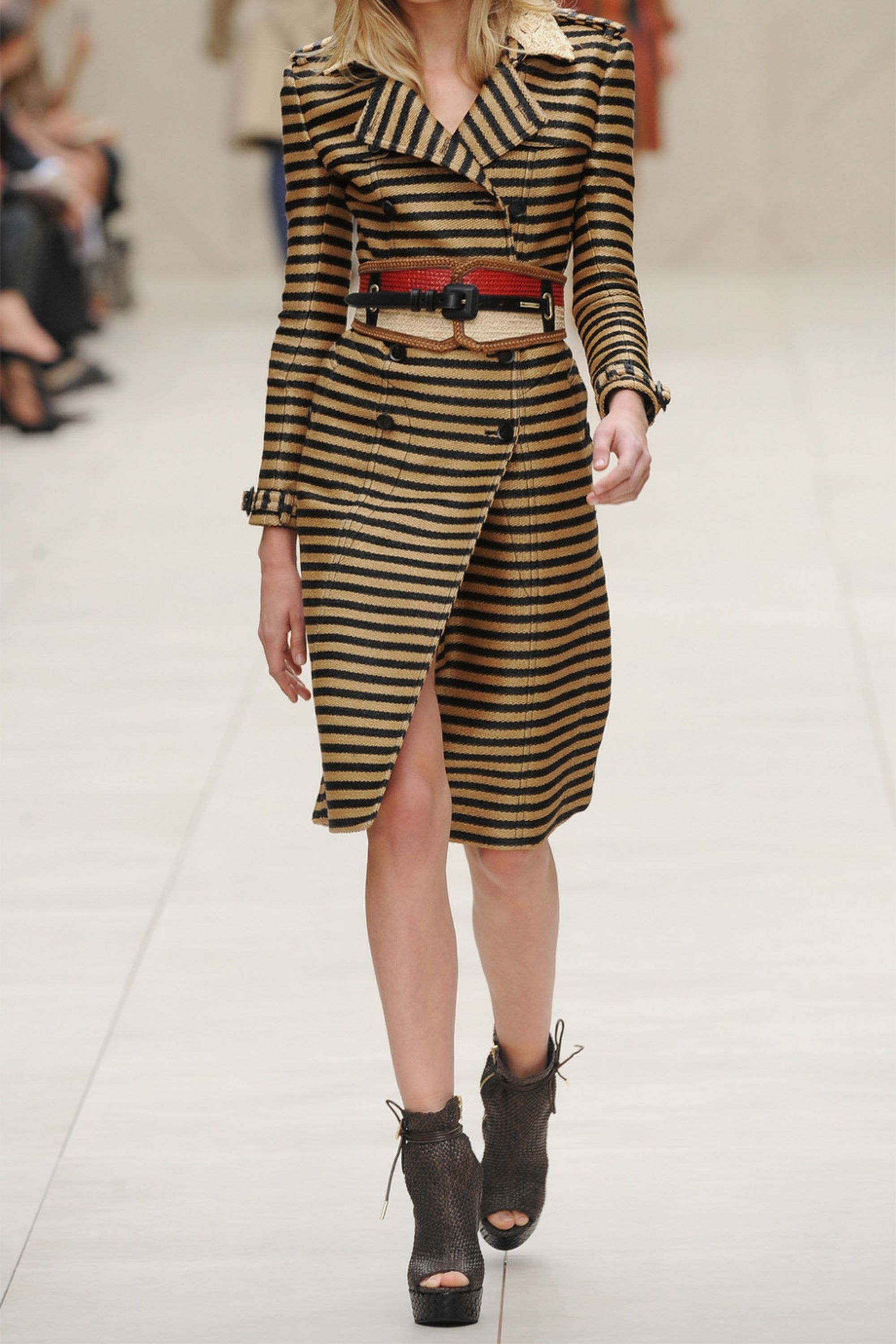 Burberry Striped raffia-effect trench coat