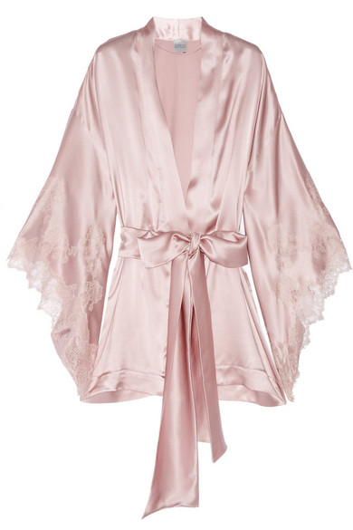 Thème Louise Lace Trimmed Silk Satin Kimono Robe by Carine Gilson