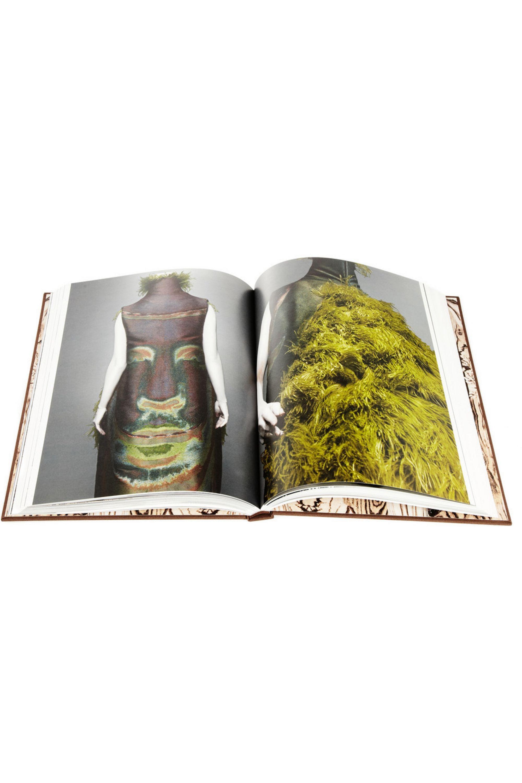 Alexander McQueen Alexander McQueen Savage Beauty hardcover book