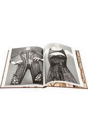 Alexander McQueen Alexander McQueen Savage Beauty hardcover book