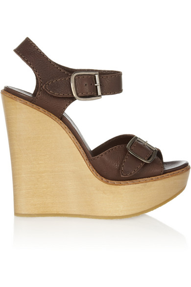 264759a60270c9 Chloé. Leather and wooden wedge sandals