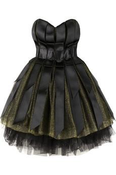 Siyah giymeyi sevenlere gece elbiseleri