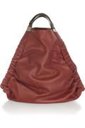 эта треугольная сумка-хобоот Marni.