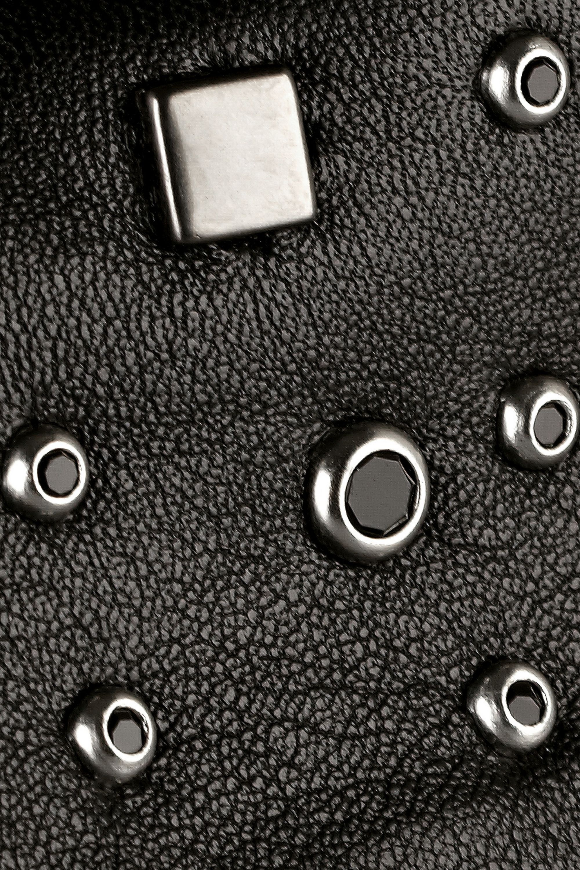 Karl Lagerfeld Antry studded leather collar