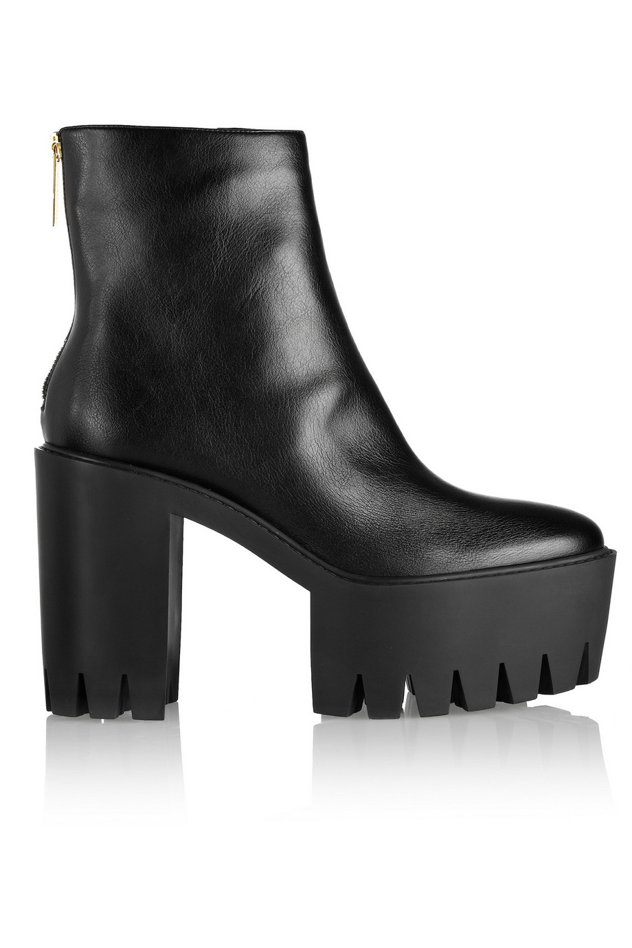 1e1b0ce8cfd8 Stella McCartney towers in platform boots she steps out in central ...