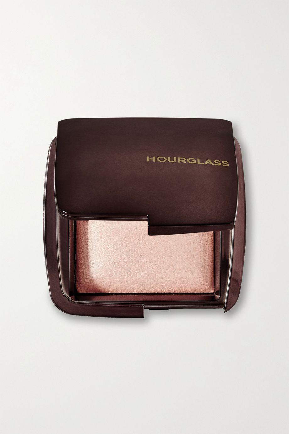 Hourglass Poudre illuminatrice Ambient, Radiant Light