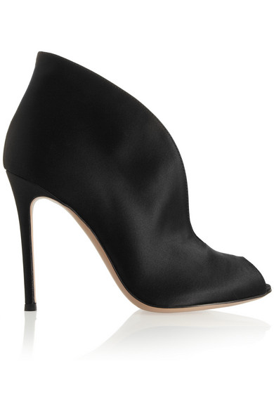 Vamp 100 satin ankle boots