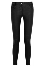 Skinny pants in black leather with zip detail