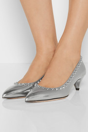 Studded metallic leather pumps