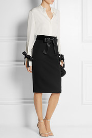 Alexander McQueen Bow-embellished velvet-paneled wool skirt