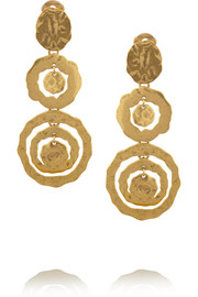Oscar de la Renta Hammered gold-plated clip earrings
