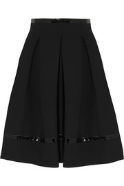 Pleated patent leather-trimmed scuba-jersey skirt